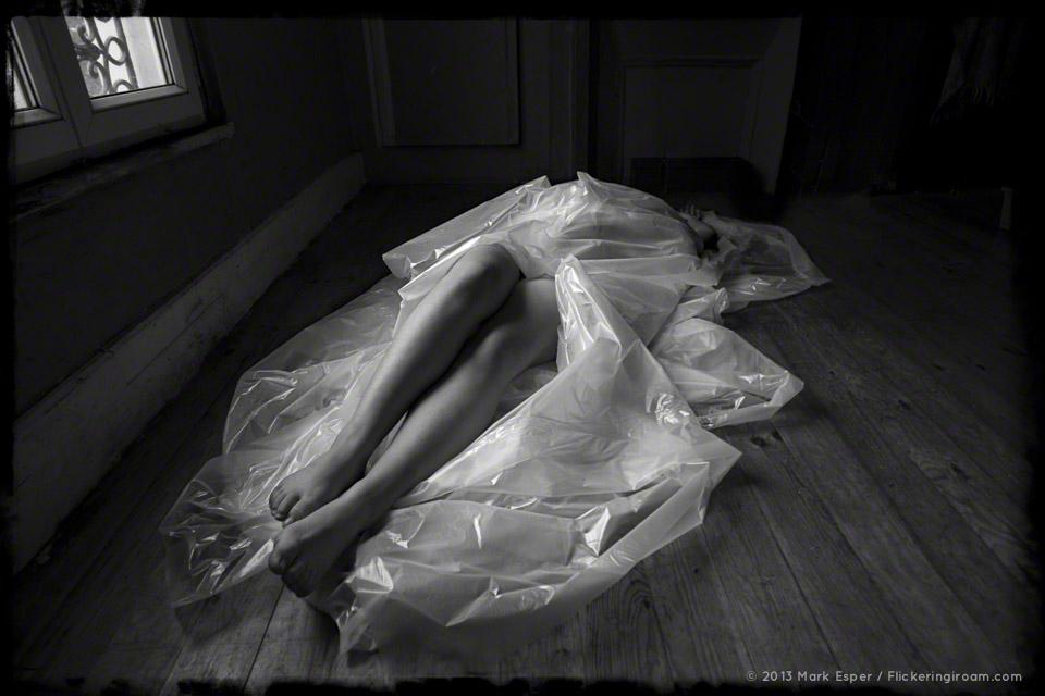 Art Nude Photography in L'Appartment Nu, Paris - Flickering I Roam...